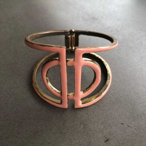 Jewelry - Pink/Gold Cuff
